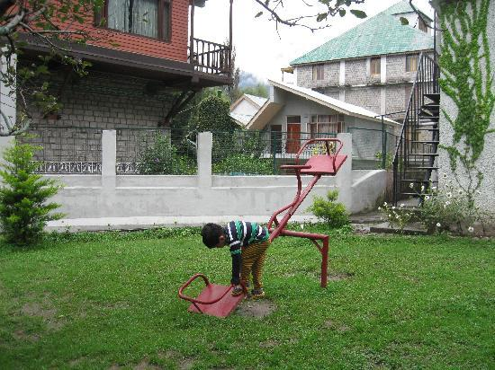 Honeymoon Inn Manali: Play area for kids
