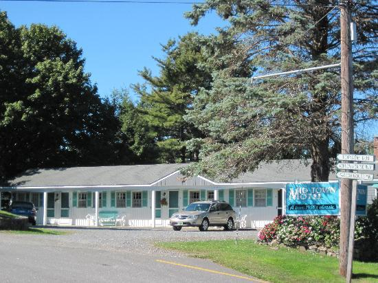 Mid-Town Motel : A hidden gem in Boothbay Harbor, Maine 