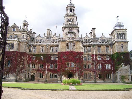 Thoresby Hall Hotel & Spa: Beautiful old hall, but very poor hotel not worthy of 4 star rating
