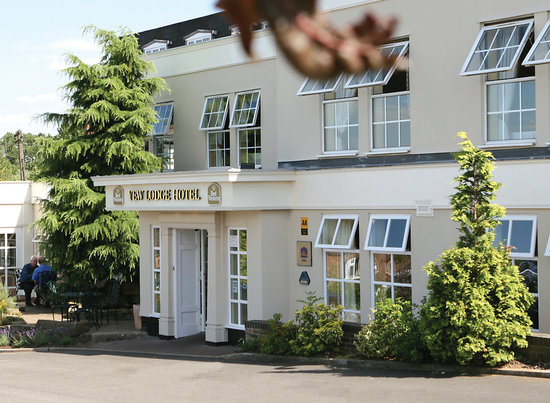 ‪BEST WESTERN PREMIER Yew Lodge Hotel & Conference Centre‬