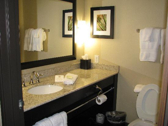 BEST WESTERN PREMIER Old Town Center: Bathroom