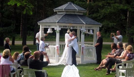 Parkwood Lodge: Wedding Gazebo