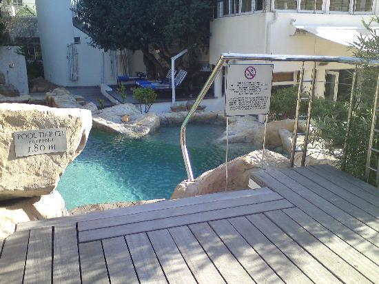 The Twelve Apostles Hotel and Spa: Pool 2 with Hot tub below it