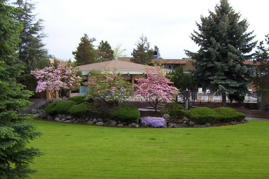 Photo of Mirabeau Park Hotel Spokane Valley