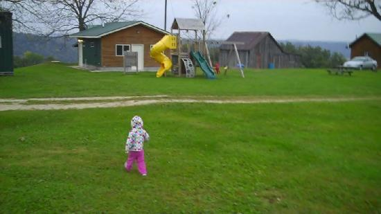 Pine Creek Cabins &amp; Campground: play ground