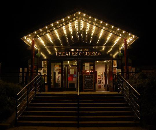 http://media-cdn.tripadvisor.com/media/photo-s/01/a7/fe/c3/the-maltings-theatre.jpg