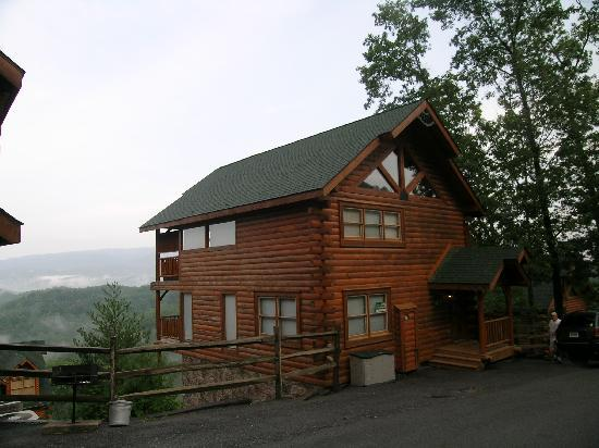 Photo of Cabin Fever Vacations Pigeon Forge