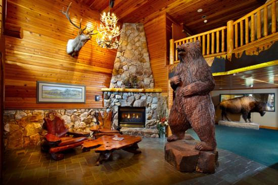 The Lodge at Palmer Gulch: Lodge at Palmer Gulch: main lobby
