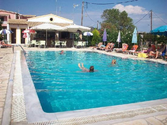 Dora pool picture of dora apartments argirades agios georgios tripadvisor for Hotels in bray with swimming pool