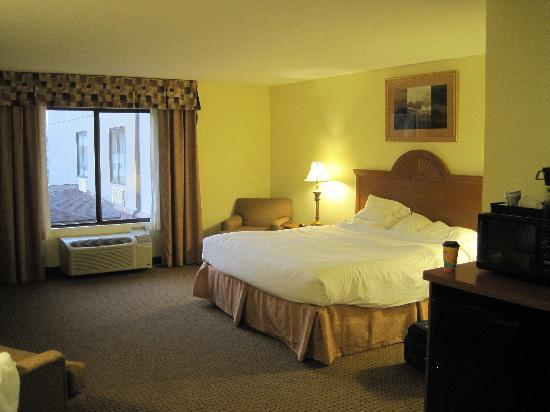 Holiday Inn Express Princeton / I-77: Comfortable large room