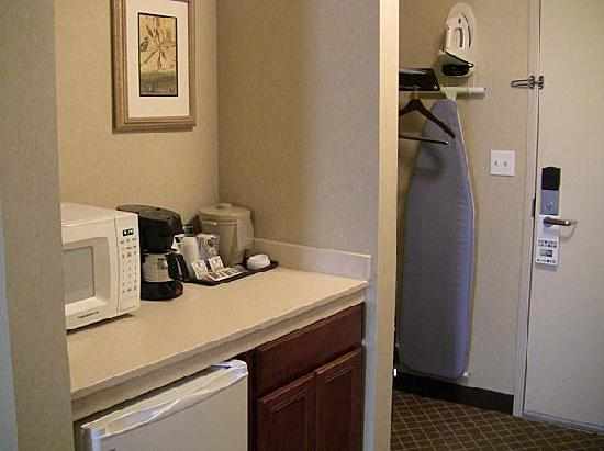 Holiday Inn Express Hotel &amp; Suites Marysville: Holiday Inn conveniences