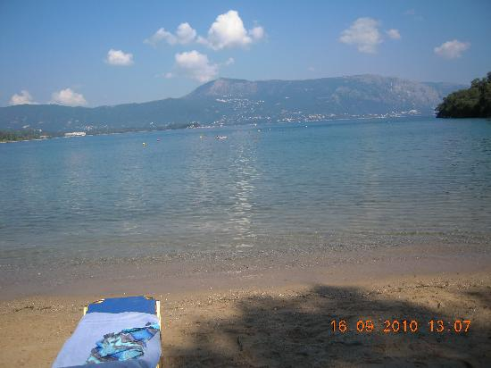 Kommeno Bay, Greece: The beach