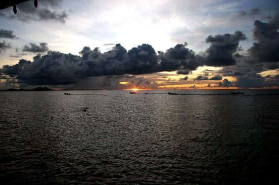 Chuuk, Federated States of Micronesia: Boats Returning Home at Sunset