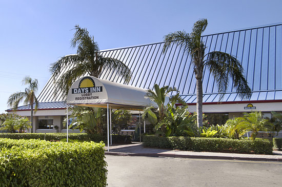 Days Inn West Palm Beach - Airport North: Exterior