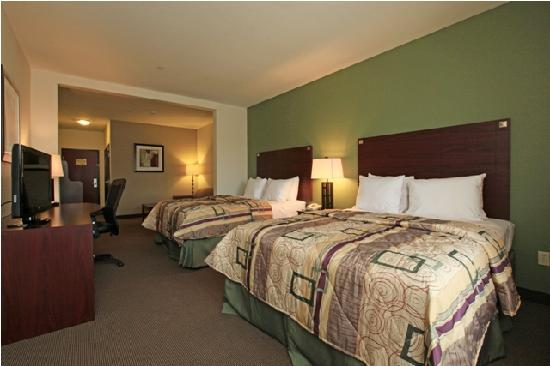 Sleep Inn &amp; Suites Intercontinental Airport East: 2 Queen Beds