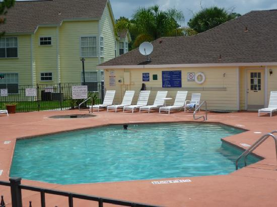 Lake Monroe, Floryda: Pool and jacuzzi