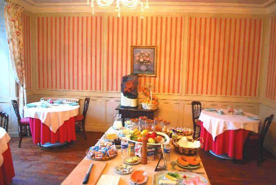 Les Cordeliers Bed and Breakfast: The Breakfast Room