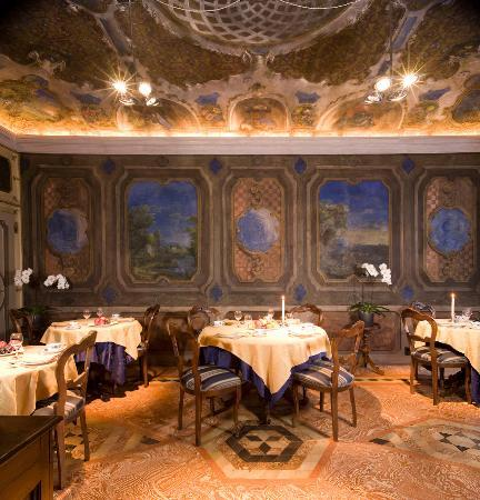 Cannobio, Italy: the breakfast room