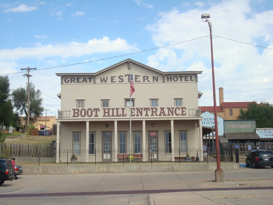 dodge city single girls Wild women of the west were not inclined to look down their noses at the girls on the line a dodge city 'old-timer historynetcom is.