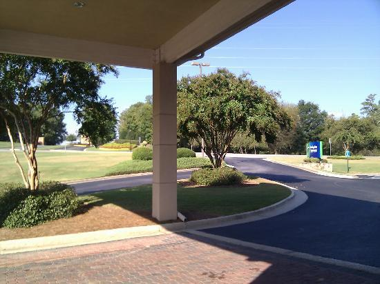 Holiday Inn Express Braselton: View across to Chateau Elan