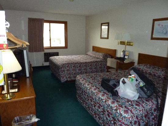 Super 8 Gardiner/Yellowstone Park: the room