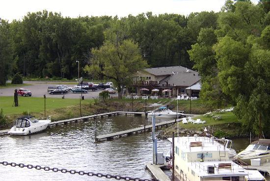 Hager City, WI: Harbor Bar