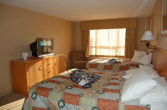 Ramada Nanaimo Inn: My bed