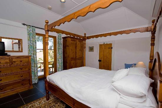 Brooklands Heritage B&B: Comfortable Queen-size bed