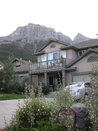 Off Our Rockies Bed and Breakfast:  ()