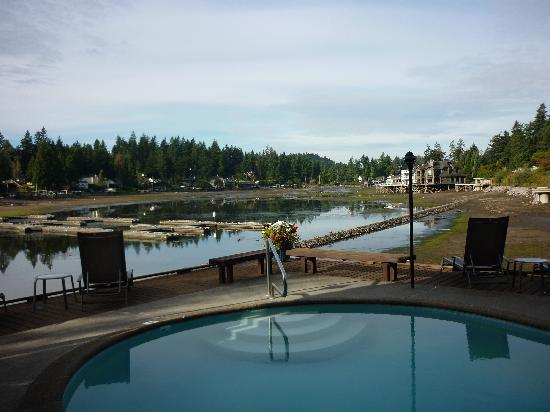 Lakeshore Inn: View of drained lake