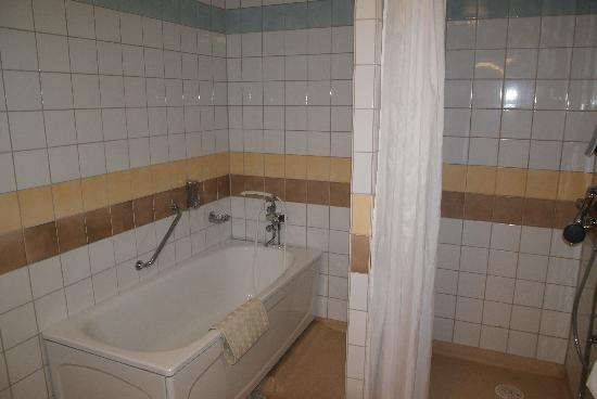 BEST WESTERN Hotell Goteborg: Bathroom.