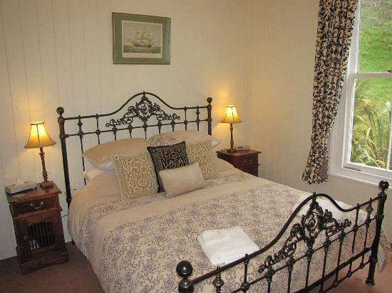 Historic Sennen House Boutique Accommodation: Sir Joseph Banks' Bedroom