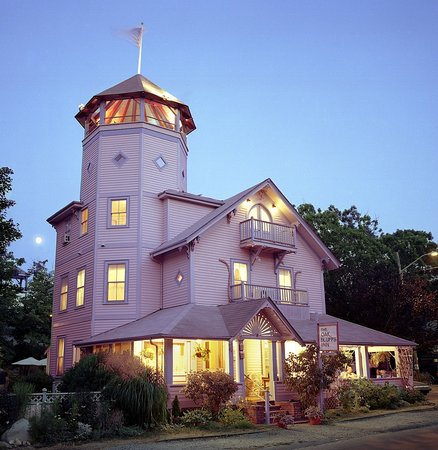 Photo of Oak Bluffs Inn