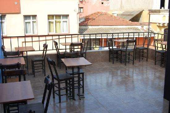 Eurasia Hostel & Guesthouse: Terrace