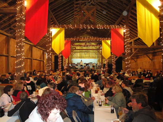 Amana, ไอโอวา: A view from inside the Festhalle Barn