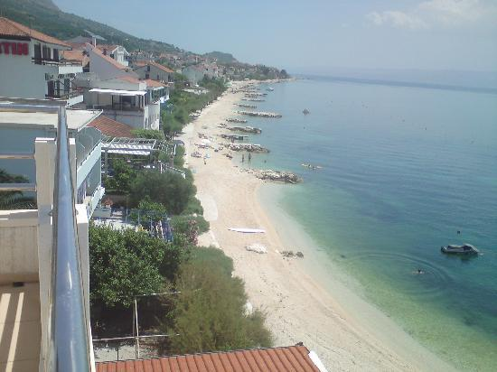 Hotel Sunce: view to the left from 3th floor balcony