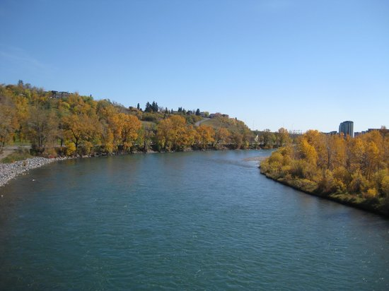 Calgary, Kanada: Fall by the river