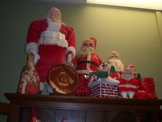 Santa Claus, IN: Assorted Santas from all different eras!