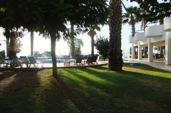 Hotel Mare: Garden, terrace and swimming pool
