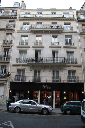 Hotel Le Six: On a very quiet street!