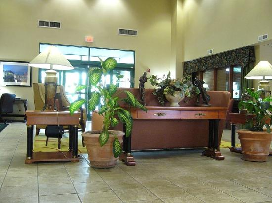 Wingate by Wyndham Nashville Airport TN: Lobby