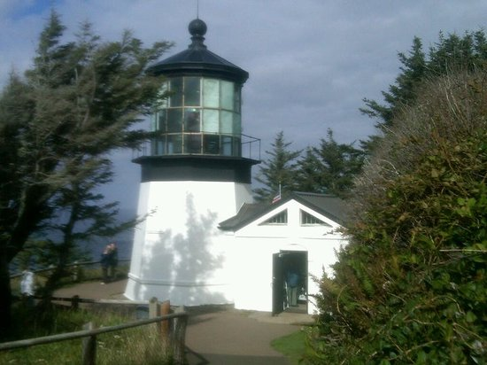 Sandlake Country Inn: Cape Meares Lighthouse Not Far Away
