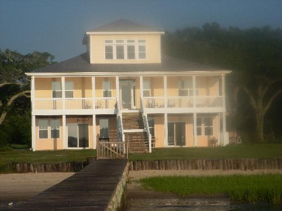 Wilmington, NC: Rear view of Ms. Bea's Guest House