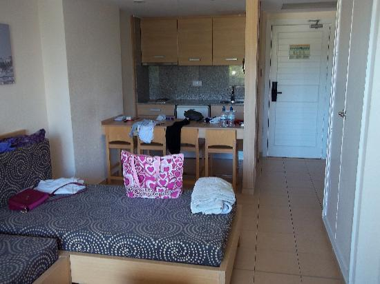 HM Martinique: Hotel living room and kitchenette