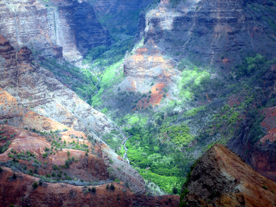 Kauai, HI: Canyon colors