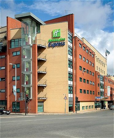 Holiday Inn Express Glasgow City Centre Riverside: Your Holiday Inn Express in Glasgow city centre