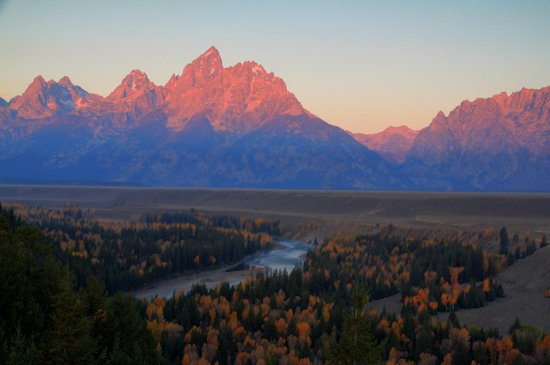 Jackson, WY:                                                                         Tetons at sunrise f Snak