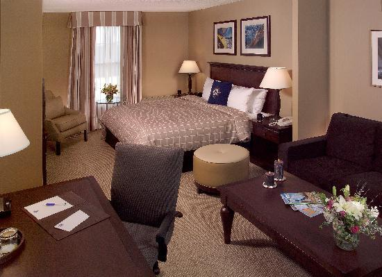 The Salem Waterfront Hotel & Marina: Our Junior Suites are popular with families who can enjoy the larger space of the suite by day a