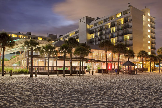 Hilton Clearwater Beach: Sunset exterior view
