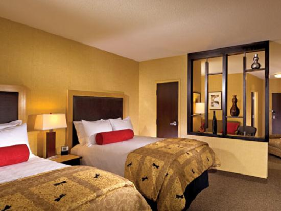 Cambria Hotel & Suites: Guest suites feature 2 double beds or 1 king bed